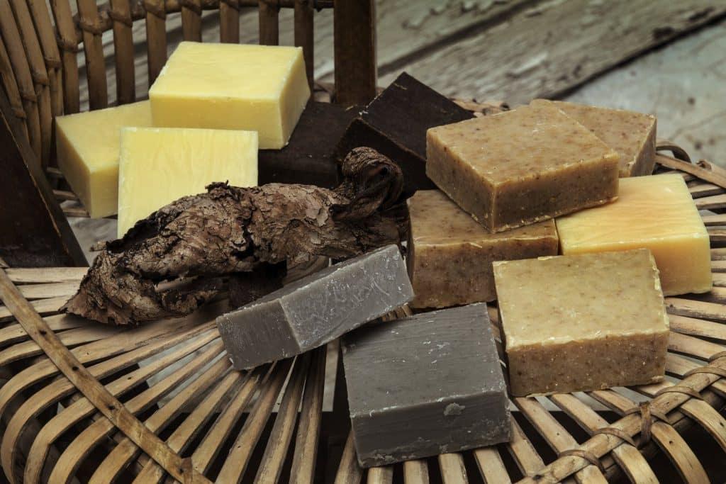 סבונים של מיכל סבון טבעי